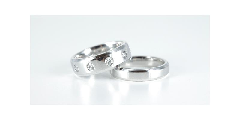 Wedding Rings Platinum Vs White Gold Rings Diamondsfactory Co Uk
