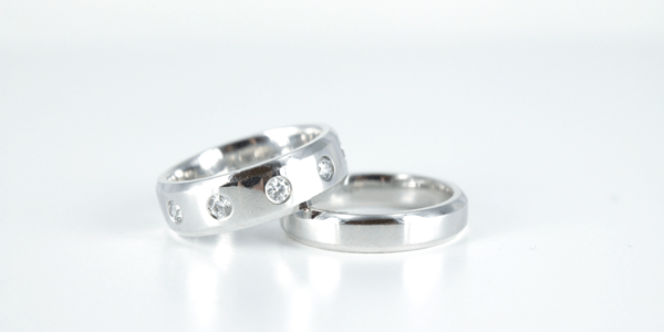 Platinum vs Gold rings: How To Choose The Right Wedding Ring