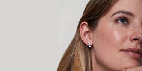 How to wear drop earrings