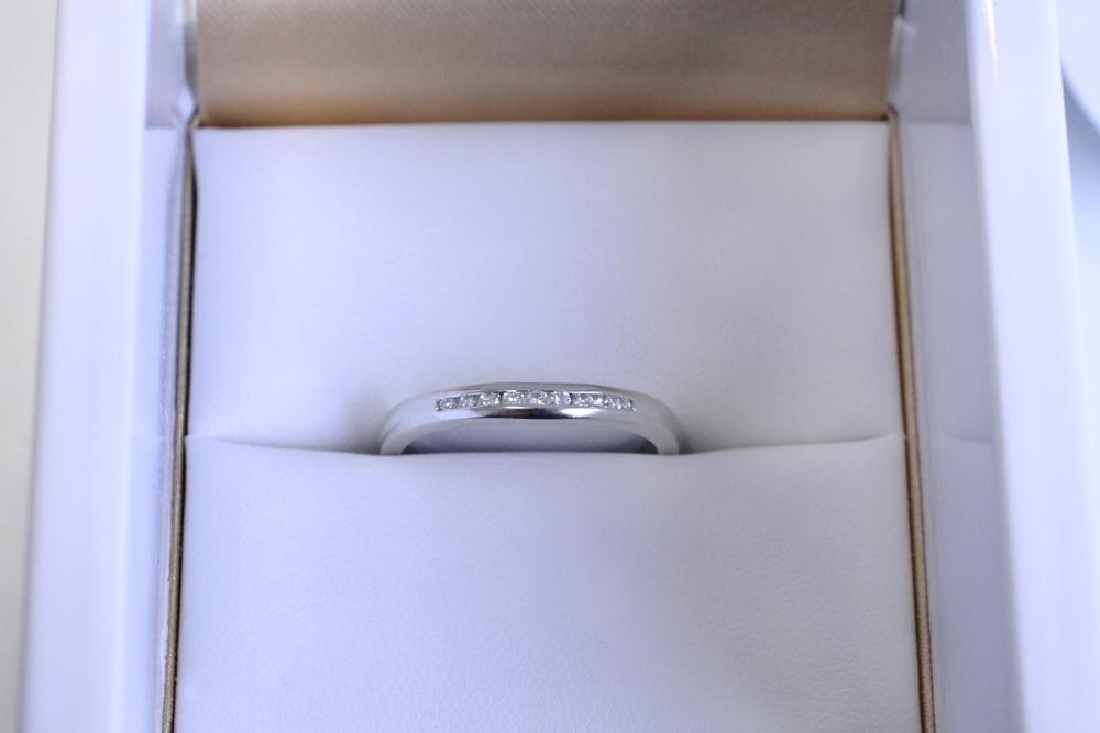 how to choose a diamond eternity ring