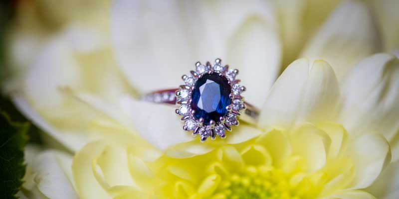 best diamond and sapphire engagement rings