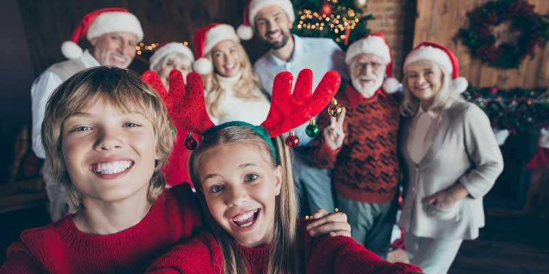 christmas family photo proposal