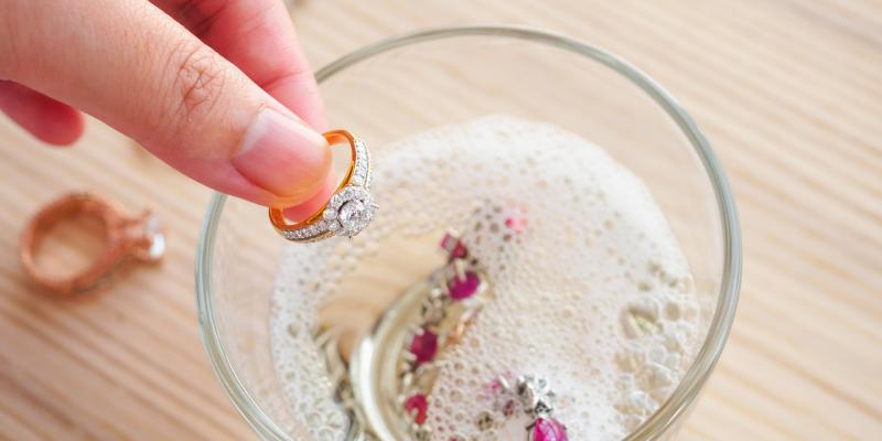 clean diamond jewellery at home