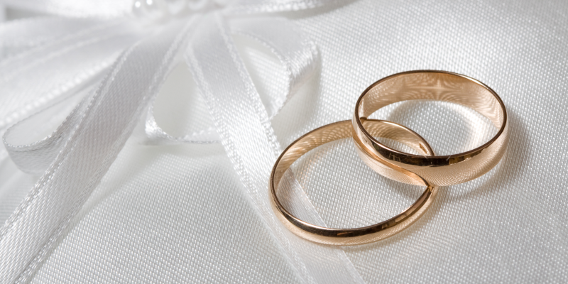 How to Clean Your Gold Rings in 5 Steps