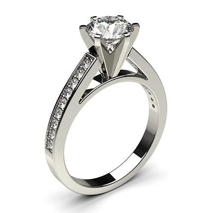 schwarzer diamant verlobungsring medium mit seitensteinen in einer 6er krappenfassung diamonds. Black Bedroom Furniture Sets. Home Design Ideas