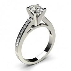 Diamantring in einer Krappenfassung mit medium Schulter Diamanten - CLRN6_10