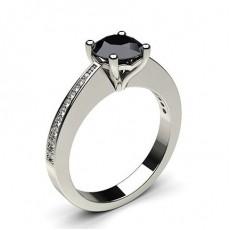 Schwarzer Diamant Verlobungsring mit Seitensteinen in einer 4er-Krappenfassung - CLRN32_06