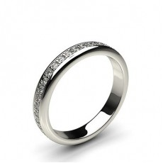 Eternity Diamant Ring in einer Pavefassung