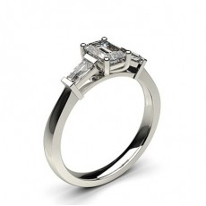 Bague de fiançailles solitaire épaulé diamant cœur serti 5 griffes et rail