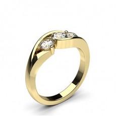 Bague 3 pierres diamant rond/emeraude serti  4 griffes en 3.25ct