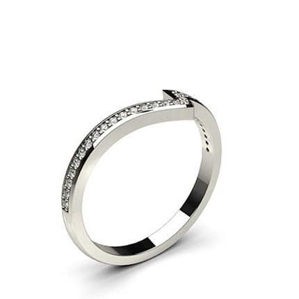 Diamant Band geformt zweireihig mit einem Flachen Profil