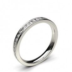 Bague délicate diamant rond serti pavé en 0.05ct