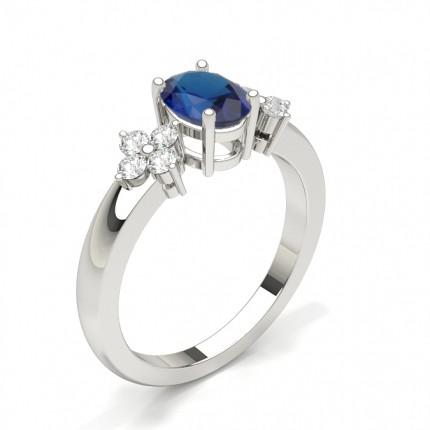 Ovaler Ring Aus Drei Steinen Mit 4 Krappen Und Blauem Saphir