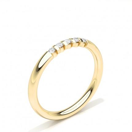 Runder mit Diamanten besetzter Ehering mit fünf Steinen