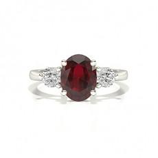 Oval Bague En Diamant Rubis