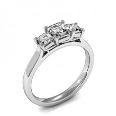 Drei Diamanten in einer Krappenfassung - HMTR3385_01